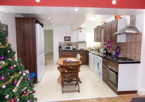 6 Bedrooms, 6 Rooms, 6Bed, For Rent, Croydon Road, 3 Bathrooms, Listing ID 1047